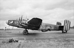 462 Sqn (AWM P01523033) - Handley Page Halifax – Wikipedia, wolna encyklopedia