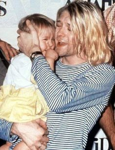 Discovered by Sad girl. Find images and videos about nirvana and kurt cobain on We Heart It - the app to get lost in what you love. Frances Bean Cobain, Kurt Corbain, Kurt And Courtney, Nirvana Kurt Cobain, Kurt Cobain Quotes, Grunge, Club 27, Nirvana Lyrics, Nirvana Art