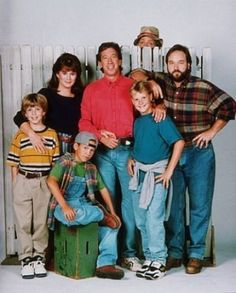Home Improvement-1 of 10 Best TV Shows of the 90's-I miss this one! Thank goodness for DVD. Just like my own family, I swear.....