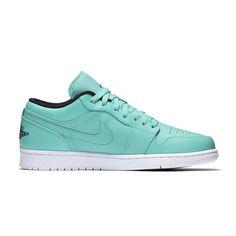 The Air Jordan 1 Low features Nike Air cushioning a combination of signature style and court-inspired comfort #AteazeEverywhereYouAre #spring2016  #sneakergame #sneakerhead #igsneakercommunity #teamcozy #nike #toronto #footwear #menswear #mensfashion #stylekicks