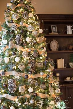 3 Tips To Make A Tree Look Magical - 3 tips to make your tree magical! Farmhouse, rustic style Christmas tree.