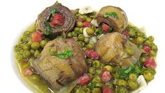 Alcachofas con jamón y guisantes