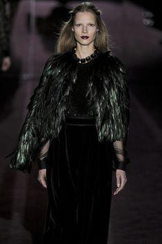 GUCCI automne 2012 Feather Cape veste en vert et noir...!!!