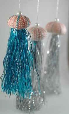 These handmade Jelly Fish Sea Urchin Christmas Ornaments are created from sea urchins and are guaranteed to get lots of attention on your beautiful Christmas tree. Beach Christmas Trees, Coastal Christmas Decor, Nautical Christmas, Tropical Christmas, Beautiful Christmas Trees, Christmas Crafts, Christmas Decorations, Christmas Tables, Purple Christmas
