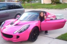 Girly Cars Every Women Will Love!: Cool Girly Cars and Female Drivers Saving Cash While Driving!