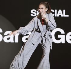 Geronimo, Joker, Celebrities, Coat, Fictional Characters, Filipino, Fashion, Moda, Celebs