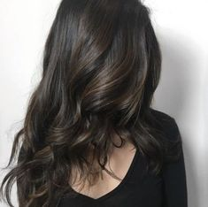 New Hair Color Californianas Brown Curls Ideas - Modern Pixie Hair Color, Hair Color Asian, Hair Color Blue, Colored Curly Hair, Wavy Hair, New Hair, Hair Mask For Growth, Vitamins For Hair Growth, Red Hair With Highlights