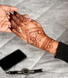 Modern Henna Designs, Back Hand Mehndi Designs, Legs Mehndi Design, Latest Bridal Mehndi Designs, Modern Mehndi Designs, Mehndi Designs For Girls, Henna Art Designs, Mehndi Design Photos, Wedding Mehndi Designs