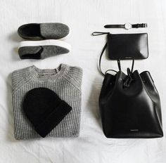 Image via We Heart It https://weheartit.com/entry/154848866/via/2159566 #bag #beanie #black #fashion #grey #grunge #outfit #shirt #shoes #watch #onlyblack