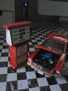 Ford Mustang 1964 + Bencinera.
