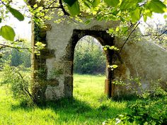 ghost chateau Castle Ruins, Arch, Outdoor Structures, France, Garden, Life, Longbow, Garten, Lawn And Garden