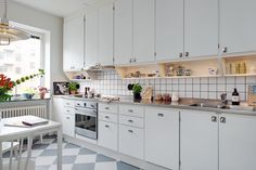 Seek this vital pic and look into the shown related information on Scandi Kitchen Loft Kitchen, Apartment Kitchen, Kitchen Cupboards, Home Decor Kitchen, Kitchen Interior, New Kitchen, Vintage Kitchen, Home Kitchens, Kitchen Design