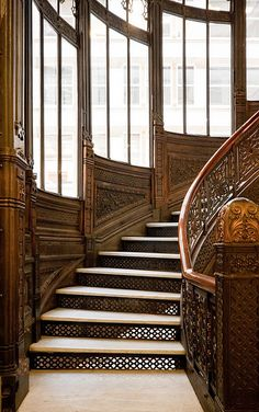 Staircase - Lobby of Rookery Building / 209 South LaSalle Street Chicago, IL / 1905 / Frank Lloyd Wright -- Frank Lloyd Wright, Winding Stair, Art Nouveau, Stair Lift, Stair Detail, Take The Stairs, Grand Homes, Stairway To Heaven, Art Deco Design