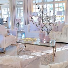 38 The Simple Romantic Living Room Trap 30 Home Living Room, Apartment Living, Interior Design Living Room, Living Room Designs, Living Room Decor, Interior Decorating, Romantic Living Room, Traditional Decor, Beauty Room