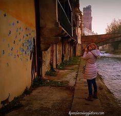 Nel 2017 sono in arrivo tantissimi progetti!  Questo è un indizio su quanto accadrà a breve.  Una foto che adoro, in un posto che non conoscevo e che se fosse da un'altra parte del mondo avrei sicuramente voluto vedere!  #padovacity #padova #graffiti #kennyrandom#writer#streetart#graffitiart #wall #urbanart