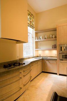Luxe massief eiken houten keuken met zowel ronde als vlakke fronten - betonnen aanrechtbladen - oude Pitt Cooking - Viking handgrepen - The Living Kitchen by Paul van de Kooi