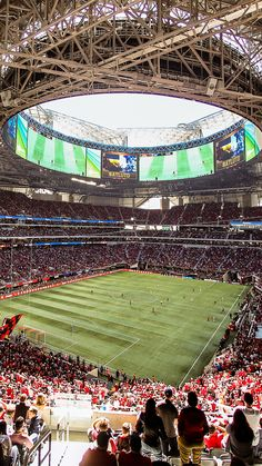 Mercedes-Benz Stadium on Matchday Mls Soccer, Soccer Stadium, Soccer Kits, Football Soccer, Fifa, Mercedes Benz, Street Football, Stadium Architecture, Atlanta United Fc