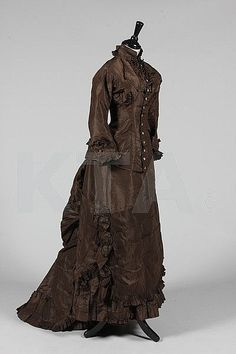 Lot 323: A chocolate brown taffeta promenade gown, circa - Kerry Taylor Auctions | Invaluable