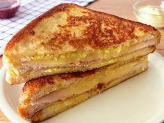 Gourmet Sandwiches, Sandwich Bar, Healthy Sandwiches, Sandwiches For Lunch, Panini Sandwiches, Breakfast Sandwiches, Sandwich Jamon Y Queso, Monte Cristo Sandwich, Healthy Sweet Snacks