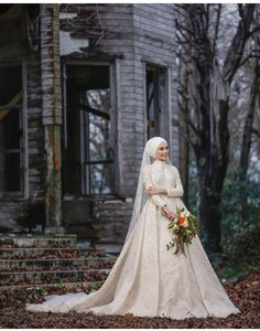 Bridal Hijab, Wedding Photography Poses, Funny Games, Weddings, Gallery, Wedding Dresses, Fashion, Wedding Ideas, Bride Gowns