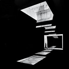 ...Peter Zumthor | la Iglesia del Corazón de Jesús (Herz Jesu Church) Munich 1966,vista por el fotógrafo Serge Najjar.