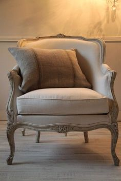 Poltrona Bergere, Bergere Chair, French Furniture, Home Furniture, Furniture Design, Furniture Stores, Cheap Furniture, New Classic Furniture, Furniture Websites