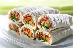 Kasvis-rieskarullat Fresh Rolls, Baking, Ethnic Recipes, Food, Red Peppers, Bakken, Eten, Bread, Backen
