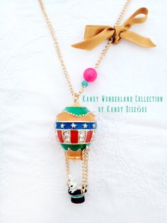 Hot Air Balloon necklace. Bunny magician's hat Vintage necklace. Circus Necklace. Dreamy Happy Gifts  Inspired in those people who let fly their dreams and go after them, flying through skies full of cute clouds that let you go through ... ♥