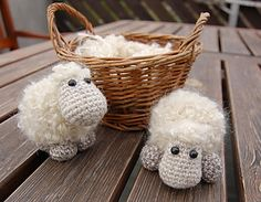 Mesmerizing Crochet an Amigurumi Rabbit Ideas. Lovely Crochet an Amigurumi Rabbit Ideas. Cute Crochet, Crochet Baby, Knit Crochet, Crochet Patterns Amigurumi, Crochet Toys, Crochet Sheep Free Pattern, Crochet Animals, Baby Mobile, Christmas Knitting Patterns