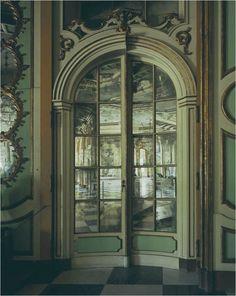 Mirror Door, Lisbon