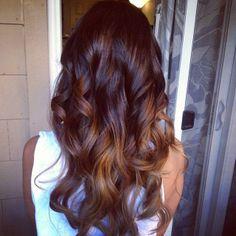 If I don't dye my hair, it's eventually going to look like this haha Cut Her Hair, Love Hair, Gorgeous Hair, Dye My Hair, Hair Dos, Ombre Hair, Dark Hair, Pretty Hairstyles, Hair Hacks
