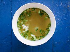 Miso Soup with Scallions and Shiso Korma, Biryani, Shiso Recipe, Soup Recipes, Healthy Recipes, Saveur Recipes, Asian Recipes, Baking Recipes, Soups