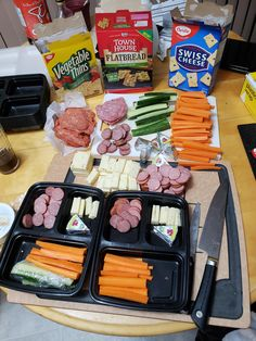 Snacks (lunches for me) for the week for two! Adult lunchables with not enough vegetables : Snacks (lunches for me) for the week for two! Adult lunchables with not enough vegetables Healthy Lunches For Work, Work Meals, Prepped Lunches, Snacks For Work, Lunch Snacks, Lunch Recipes, Kids Meals, Healthy Snacks, Healthy Eating