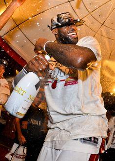 Lebron James Heat, Lebron James Basketball, King Lebron James, Lebron James Lakers, I Love Basketball, Basketball Pictures, Lebron James Wallpapers, Nba Wallpapers, Nba Players