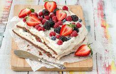 Tässä on monen suomalaisen mielestä kesän paras kakku – rakastatko sinäkin? Margarita, A Food, Ethnic Recipes, Photography, Photograph, Photography Business, Photoshoot, Fotografie, Fotografia