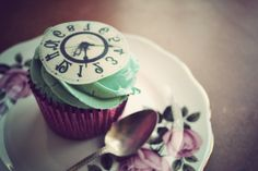 mad hatter cup cake