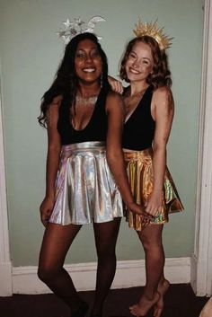 30 Best Duo Halloween Costumes For BFFs Duo Costumes, Cute Group Halloween Costumes, Friend Costumes, Looks Halloween, Hallowen Costume, Trendy Halloween, Halloween Outfits, Diy Halloween, Costume Ideas