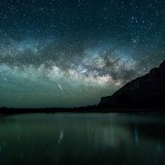 Photographer Rowdy Winters captured this breathtaking moment while standing in the middle of the Rio Grande River at Big Bend National Park in Texas with Mexico 15 feet to his right. He pointed his camera up at the night sky and caught the brilliance. National Park Lodges, National Parks, Sante Fe New Mexico, Texas Parks, Fantasy Inspiration, Rio Grande, Stargazing, Night Skies, Beautiful World