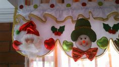 Chihuahuas, Valance Curtains, Mickey Mouse, Christmas, Home Decor, Molde, Holiday Ornaments, Christmas Crafts, Christmas Wreaths