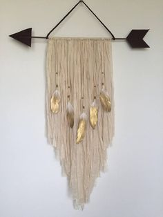 Arrow wall decor arrow decor arrow decorations wall hanging gold feathers fiber wall hanging dGold Dip Feathers to match up with macrame feathers. Yarn Wall Art, Yarn Wall Hanging, Diy Wall Art, Diy Wall Decor, Diy Home Decor, Wall Decorations, Macrame Wall Hangings, Feather Wall Decor, Decor Room