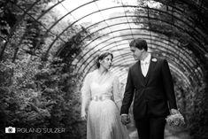 Hochzeitsfotos in Schwarz-Weiß - Sophie und Peter - Roland Sulzer Fotografie - Blog Portrait, Wedding Dresses, Blog, Fashion, Getting Married, Marriage, Monochrome, Bride Dresses, Moda