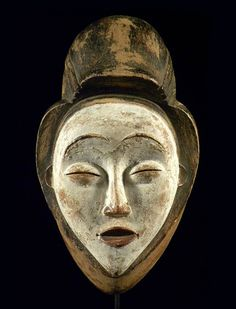 Ritual mask of Punu family whitewashed
