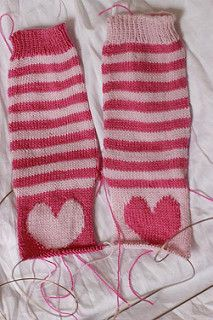 Exciting! Someone blogged about this pattern and Vogue Knitting shared it on their Facebook page! Squee! (See pic #2 for a screencap of Likes and Shares :) ) I am tickled!