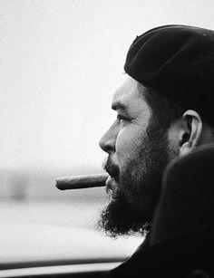 La imagen puede contener: 1 persona, barba y primer plano Che Quevara, Che Guevara Photos, Cuba History, Ernesto Che Guevara, Cuban Art, Fidel Castro, Guerrilla, Revolutionaries, Cigars