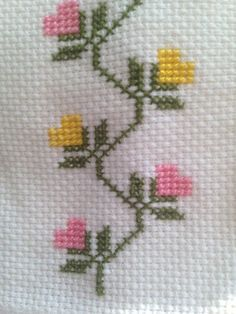 This Pin was discovered by Hac Cross Stitch Bookmarks, Cross Stitch Borders, Simple Cross Stitch, Cross Stitch Flowers, Cross Stitch Designs, Cross Stitching, Cross Stitch Embroidery, Embroidery Patterns, Hand Embroidery