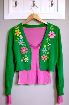 THE TUTORIAL,  http://www.abeautifulmess.com/2010/10/sweeten-your-sweater-diy-by-lori-marie.html