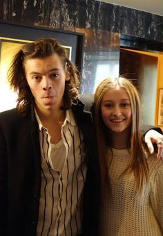 Harry Styles Meets Random Girl On A Plane & Goes Back To Her Home In New York City! - http://oceanup.com/2014/12/19/harry-styles-meets-random-girl-on-a-plane-goes-back-to-her-home-in-new-york-city/