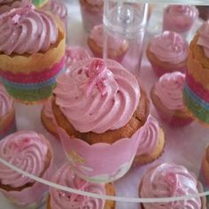 vanilla-berry-cupcakes in support of Breast Cancer Awareness. Berry Cupcakes, Yummy Cupcakes, Pink Cupcakes, Cupcake Bakery, Cupcake Cookies, Cupcake Recipes, Dessert Recipes, Delicious Desserts, Yummy Food