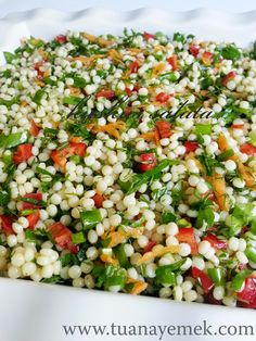 Ingredients: – 2 cups couscous pasta – 6 pieces green onions – 1 red pepper – Half bunch of parsley. Vegetable Recipes, Vegetarian Recipes, Cooking Recipes, Healthy Recipes, Couscous Salad, Pasta Salad, Turkish Recipes, Ethnic Recipes, Appetizer Salads