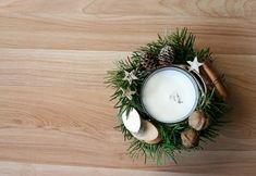 Flowers of Soul Christmas Diy, Christmas Decorations, Table Decorations, Snowflakes, Fruit, Cinnamon, Home Decor, Home, Corona